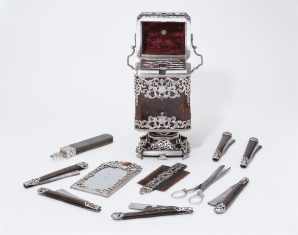 Some objects, like this 17th century travelling razor set, have multiple parts which could be shown in a number of ways. V&A 192-1881