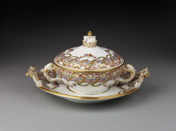 Ecuelle, celebrating birth of the Dauphin, Sèvres, France, 1781. V&A C.119-1922
