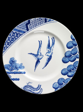 'After Willow' designed by Robert Dawson for Wedgwood, 2005 (V&A C.300-2009) Given by Josiah Wedgwood and Sons