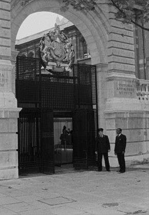 V&A security guards outside the central gate of the Aston Webb Screen, 1981. © Victoria and Albert Museum, London