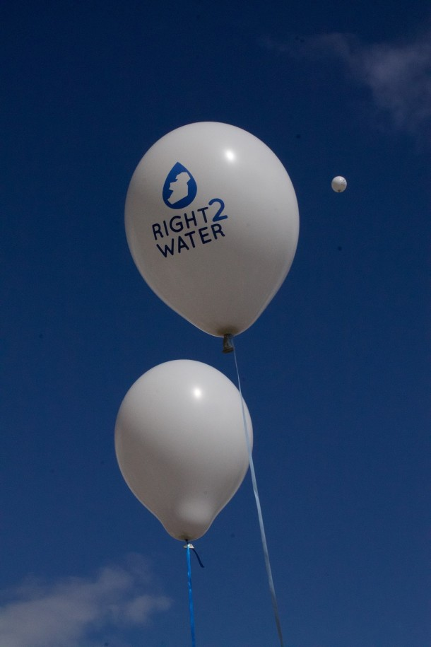Right2Water balloons in a deceptively sunny sky at the start of the march. 29th August, 2015. (Photo; Eimer Murphy)