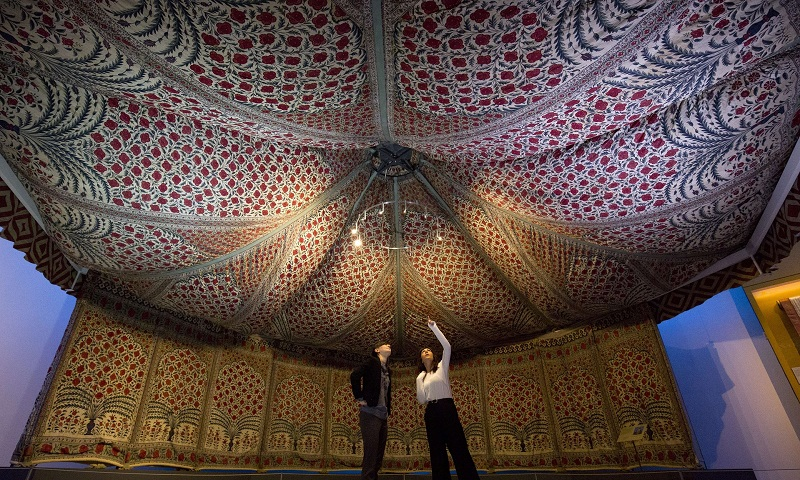 Photograph Justin Tallis/AFP/Getty Images & Guest Post: Raising the Roof! Mounting Tipuu0027s Tent   Victoria and ...