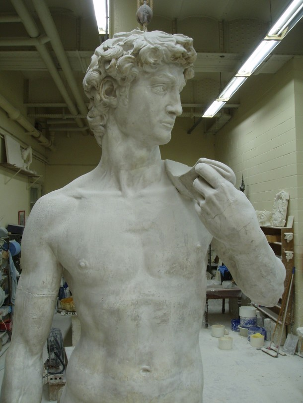 A closer look at the top part of the plaster cast ©KMKG-MRAH, Brussels