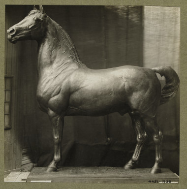 4451-1938 Photograph of a sculpture of a Justin Morgan stallion by F. G. R. Roth