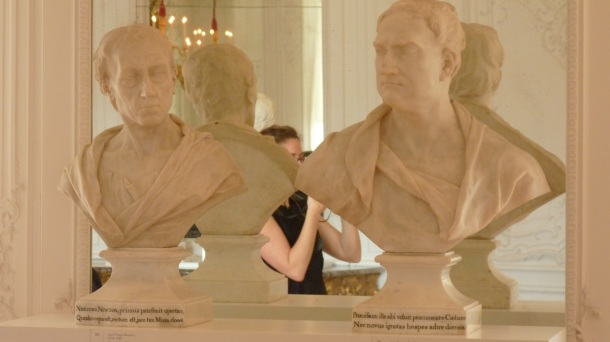 Busts of Alexander Pope and Sir Isaac Newton by Roubiliac, illustrating his use of very similar poses across two different subjects. Photograph by Katherine Elliott, 2014