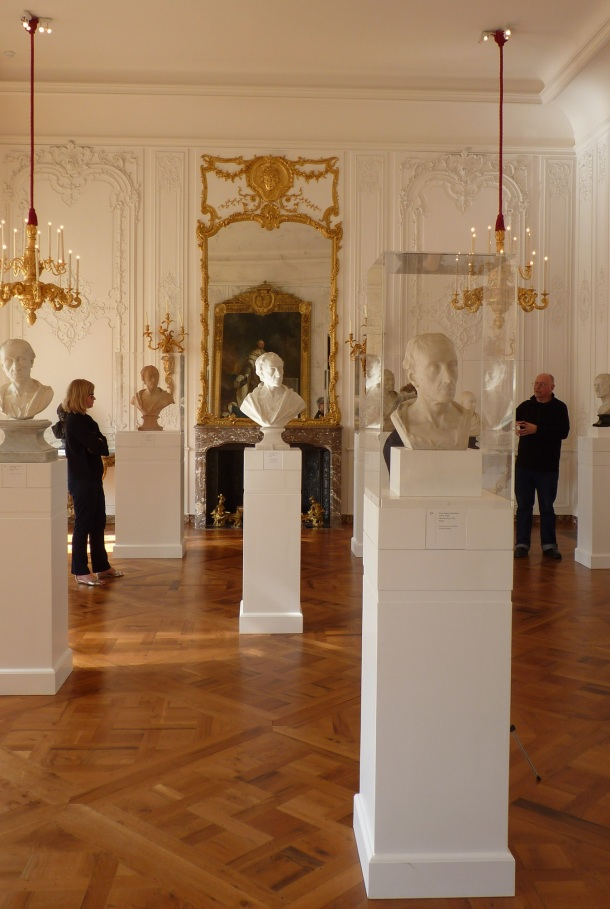 Central display at Waddesdon of some of the eight Roubiliac busts. The same tilt of the head can be clearly seen. Photograph by Katherine Elliott, 2014