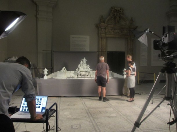 Jaron, the photographer, checking the shots he has taken so far © Victoria and Albert Museum, London