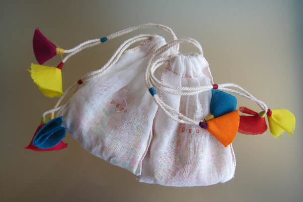 Handmade bags with sweets © Divia Patel