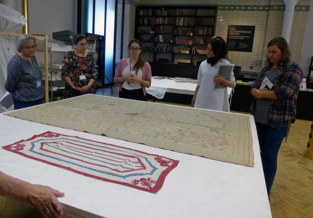 Emma Rogers (centre) and Kantha quilts © Victoria and Albert Museum, London