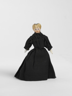 Doll, c.1900, MISC.47:3-1979 (c) V&A Museum, London