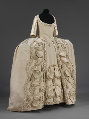 Silk sack-back gown, thought to have been worn by a new bride for her presentation at court, 1775-1780