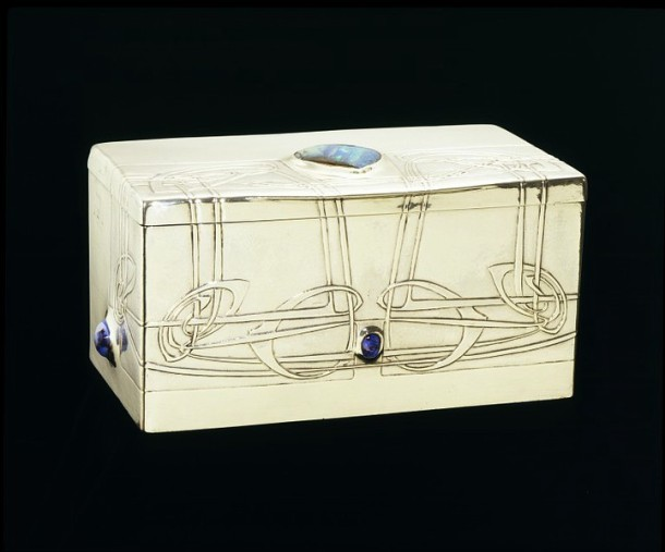Cigarette box, made by Archibald Knox, made in Birmingham, UK, 1903-4. M.15-1970 Victoria & Albert Museum, London.