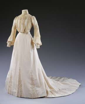 Displaying Edith Hope-Murray's wedding dress, 1902, has put us in touch with her grandchildren © V&A Collection