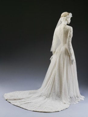 Back view and train of wedding dress by Isobel, 1953 © V&A Collection
