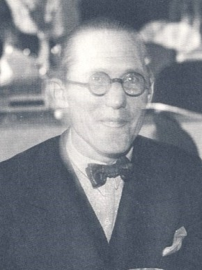 Architect Le Corbusier (1887-1965): Photo from Wiki Media, Creative Commons (CC) Copyright, (1933).