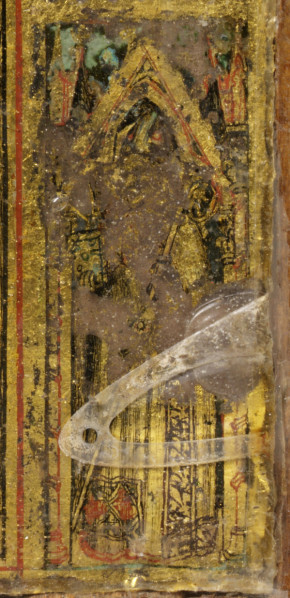 Detail of St. Louis as he appears on museum no. 4486-1858; he is identified here by the fleur-de-lis on his cope. © Victoria and Albert Museum, London