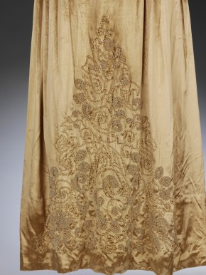 Bead embroidery decoration on velvet wedding dress, 1927 © V&A Collection