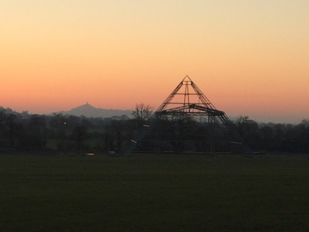 The Pyramid Stage at sunset © Helen Gush