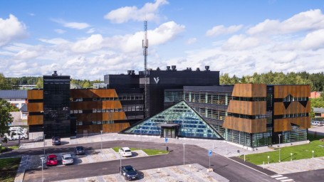 Moderni ja innovatiivinen toimisto inspiroi töihin
