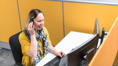 Asiakaspalvelumme palvelee sinua verkossa ja puhelimitse kesän ajan.