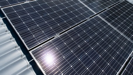 Aurinkosähkö kiinnostaa yrityksiä