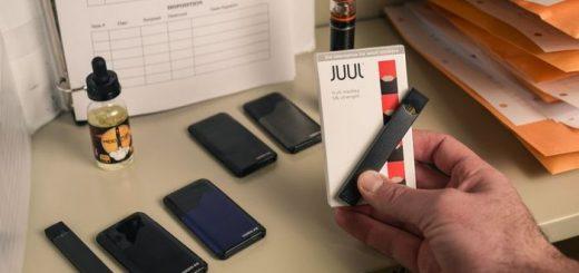 Une tentative pour comprendre pourquoi la JUUL est fautif et comme elle menace toute l'industrie américaine de la vape.