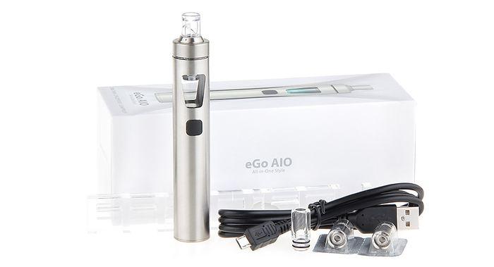 L'eGo AIO de Joyetech est un kit pour débutant de cigarette électronique à moins de 20 dollars.
