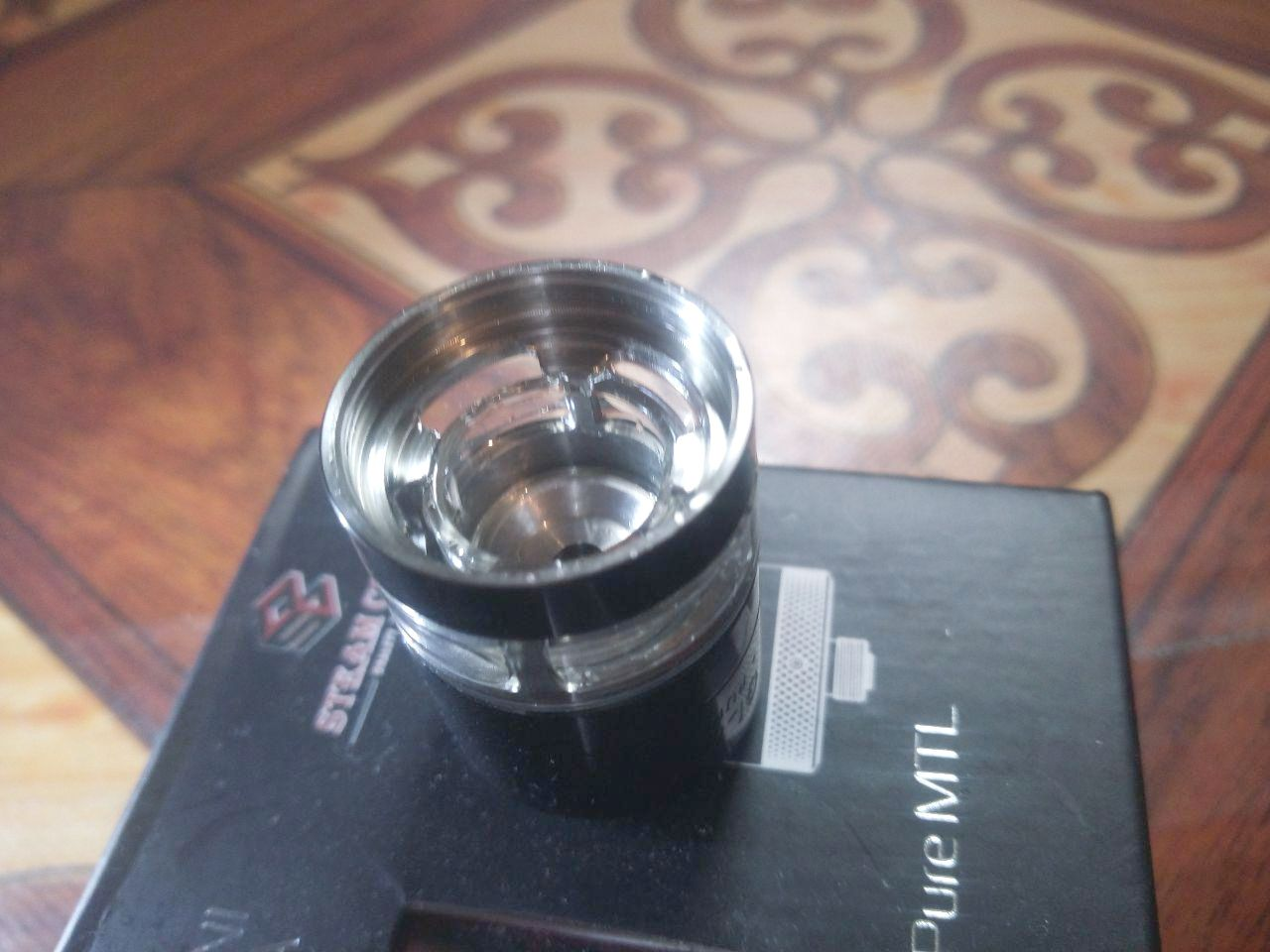 Steam Crave Glaz Mini MTL is one of the true MTL RTAs from Steam Crave that is best known for its big beasts. Did he succeed?