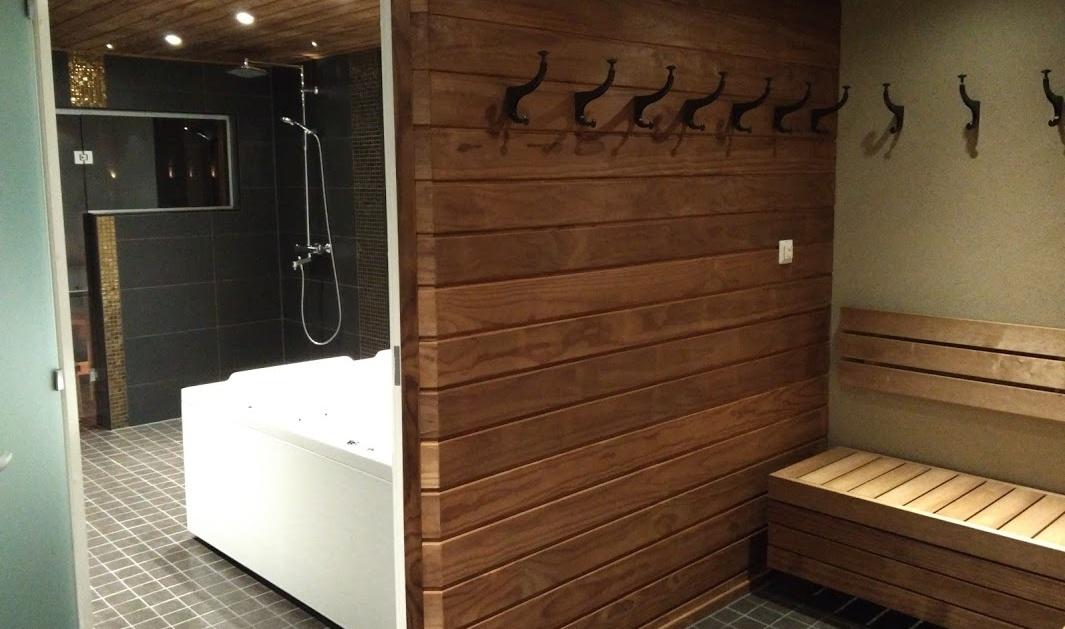Rongo-talo sauna ja takkahuone