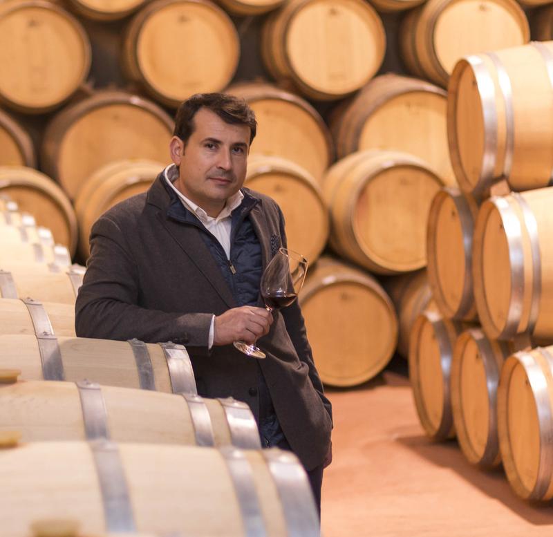 Pablo Ossorio en la sala de barricas de Hispano+Suizas