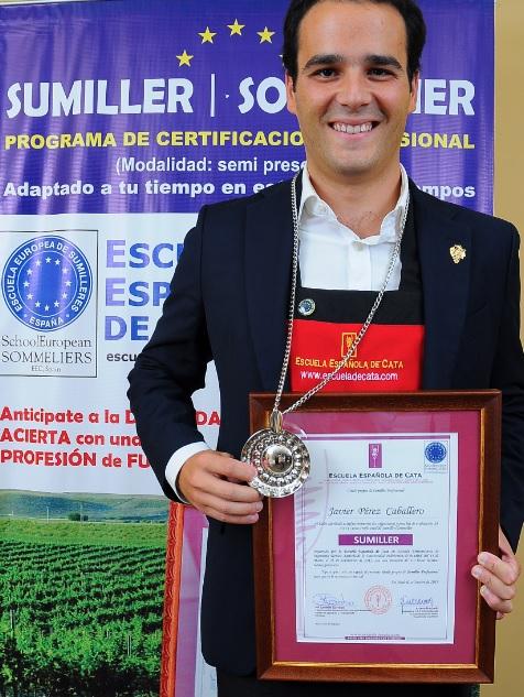 Sumiller graduado en Escuela Española de Cata
