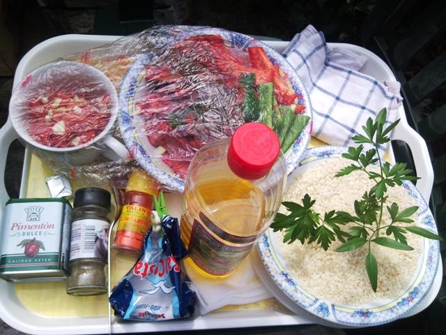 Los ingredientes preparados para empezar la faena...