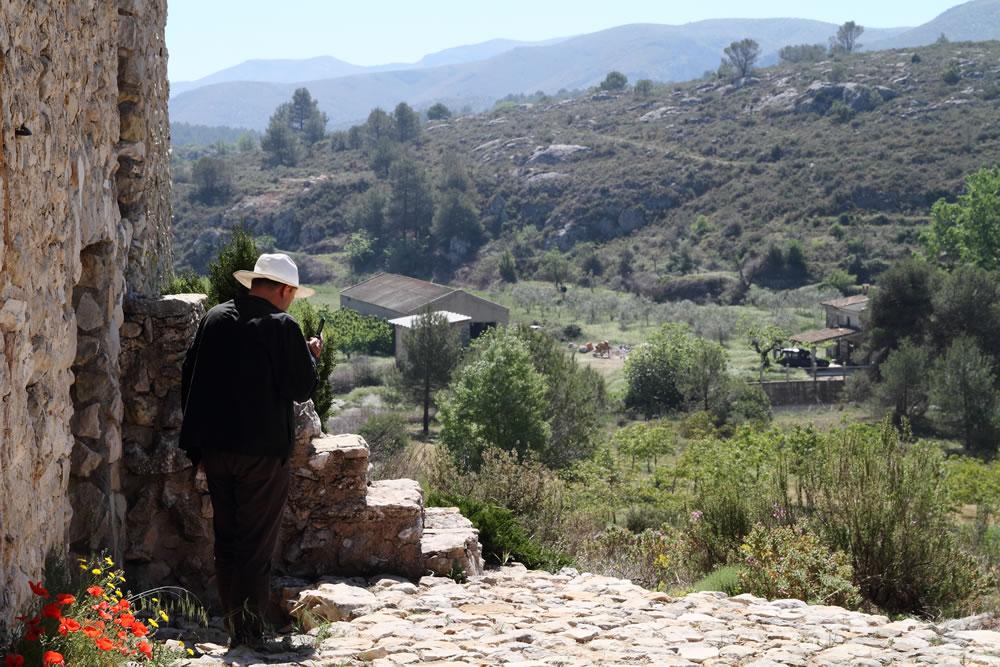 Casa de Campo y paísaje en el Valle de la Gallinera aceite tot oli