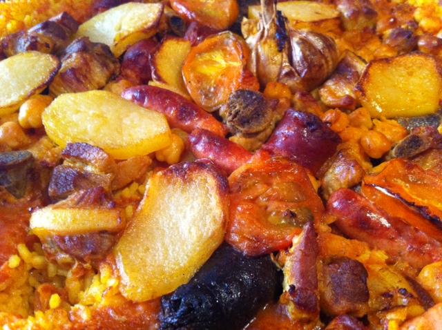 Comer arroz al horno en Valencia