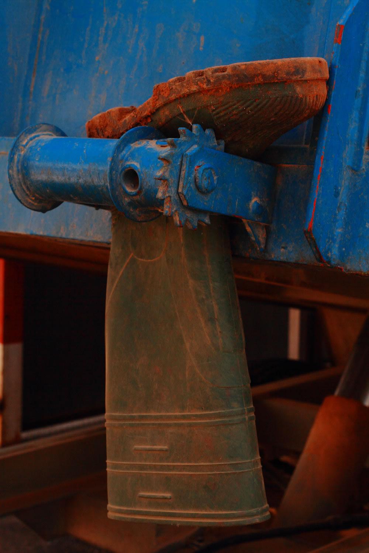 Bota colgada del remolque