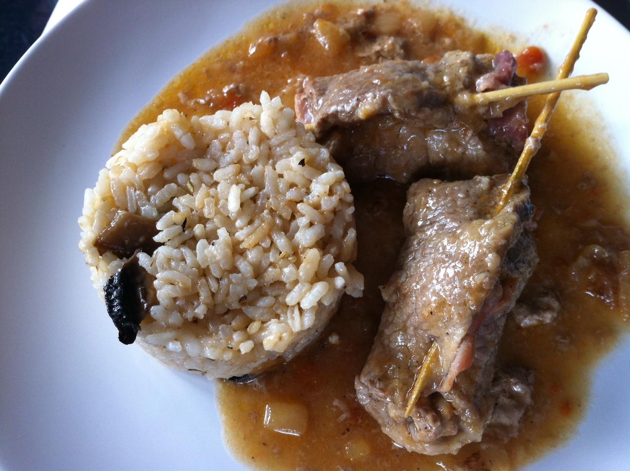 Plato de arroz y rolate al vermut