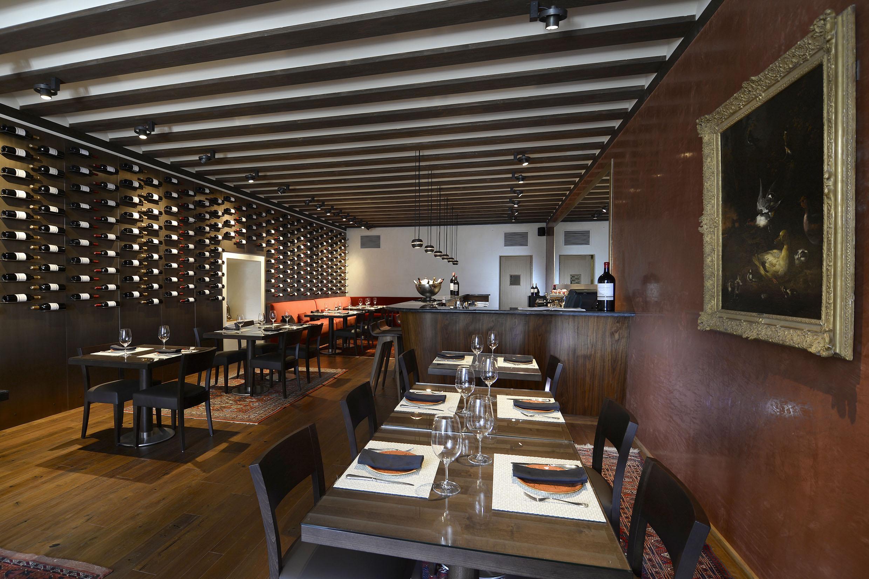 El hotel abad a retuerta ledomaine ampl a su oferta - Vinotecas madrid centro ...