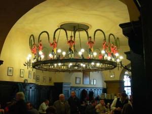 Interior de la cerveceria Agustiner de Múnich famosa por su lager