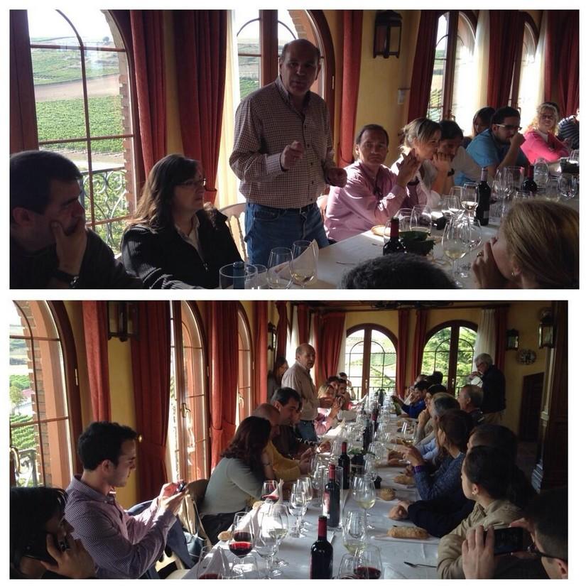 Matías Calleja comentado los vinos durante la comida. Bodegas Beronia