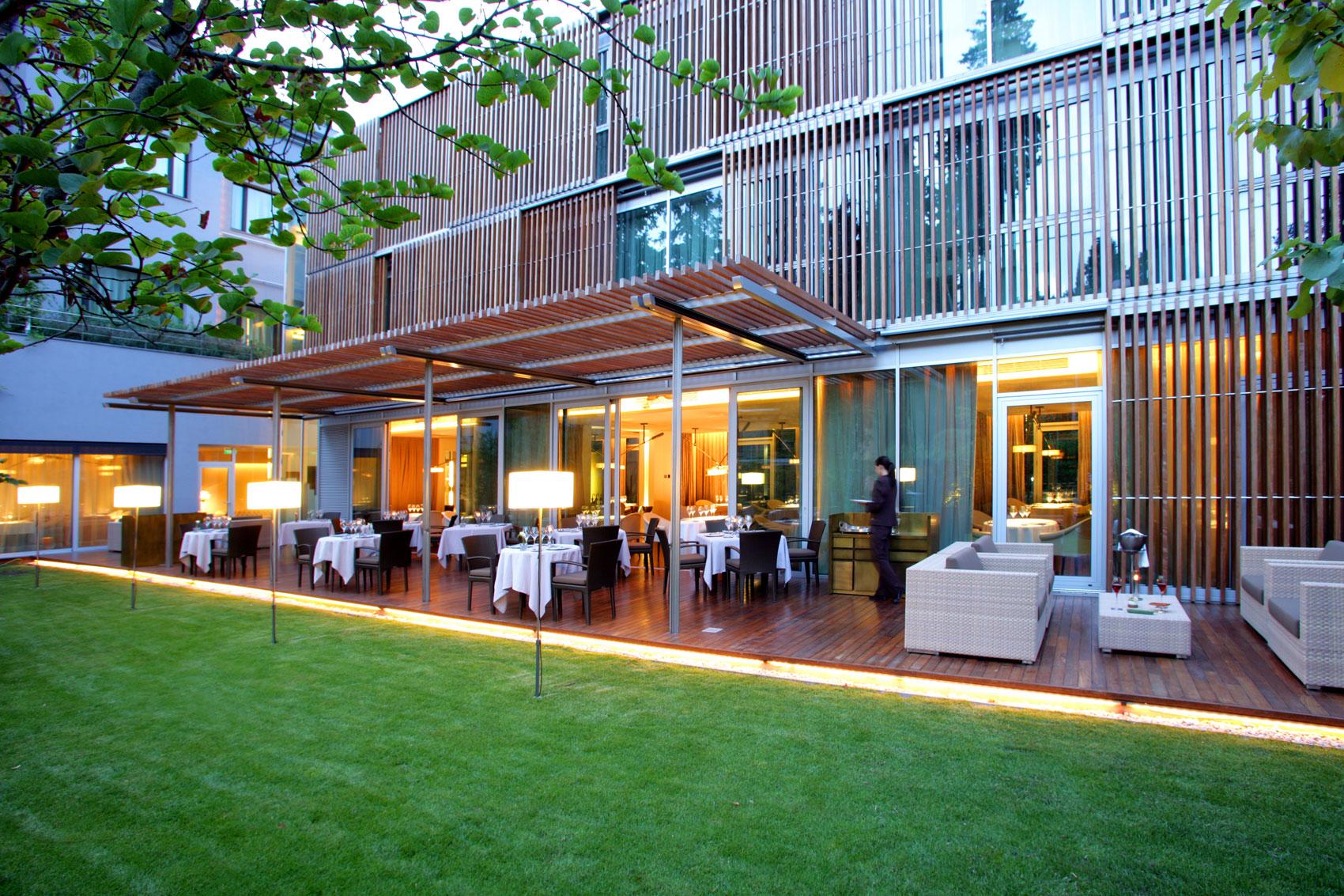 Terraza restaurante ABaC de Jordi Cruz