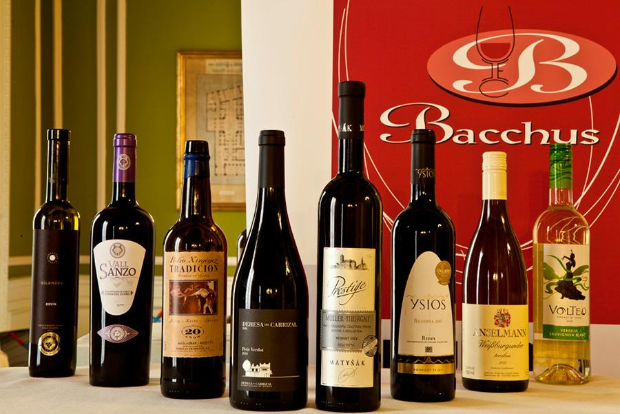 Selección de algunos vinos premiados en los Bacchus 2014