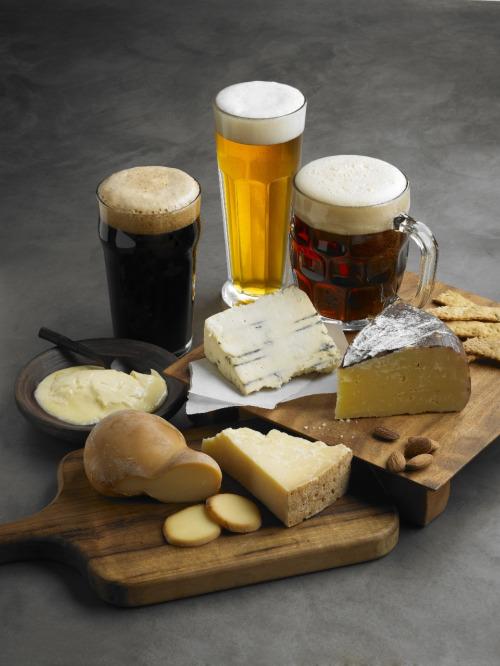 Maridaje de cerveza con quesos