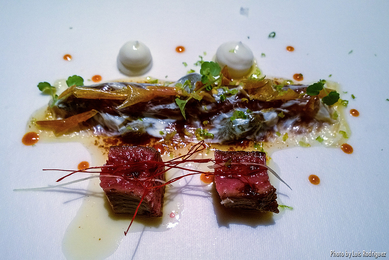 Cremosidad lactea y vegetal, cierva y salmonete cítrico envolvente, restaurante DiverXO