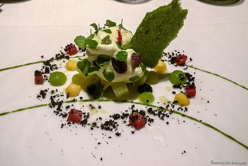 Ensalada de clorofila, piña y aceite de oliva, restaurante DiverXO