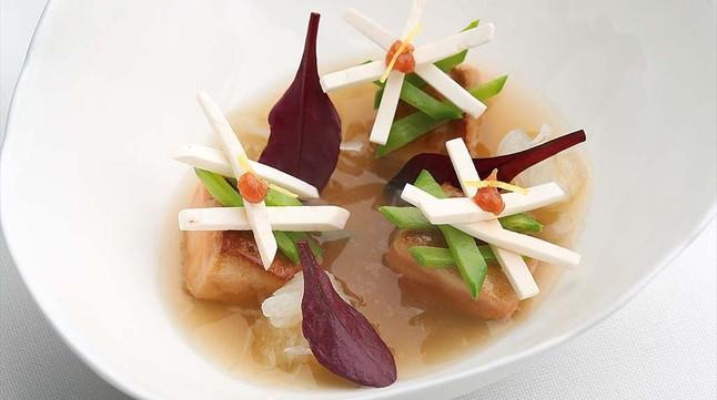 Sopa de Miso, foie y vegetales de Carme Ruscalleda