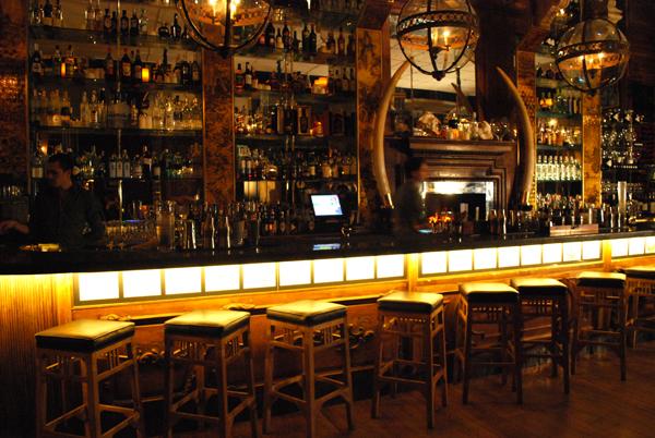 Interior de la Cocteleria Boca Chica, Barcelona