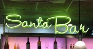 Santa_Bar_Bodegas_Santa_Cecilia_Cartel_Neón