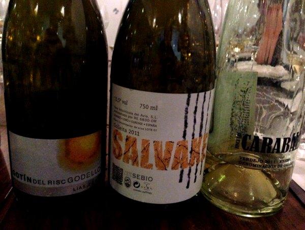 Despedida-grupo-cata-En-Torno-Vino-3-vinos-blancos