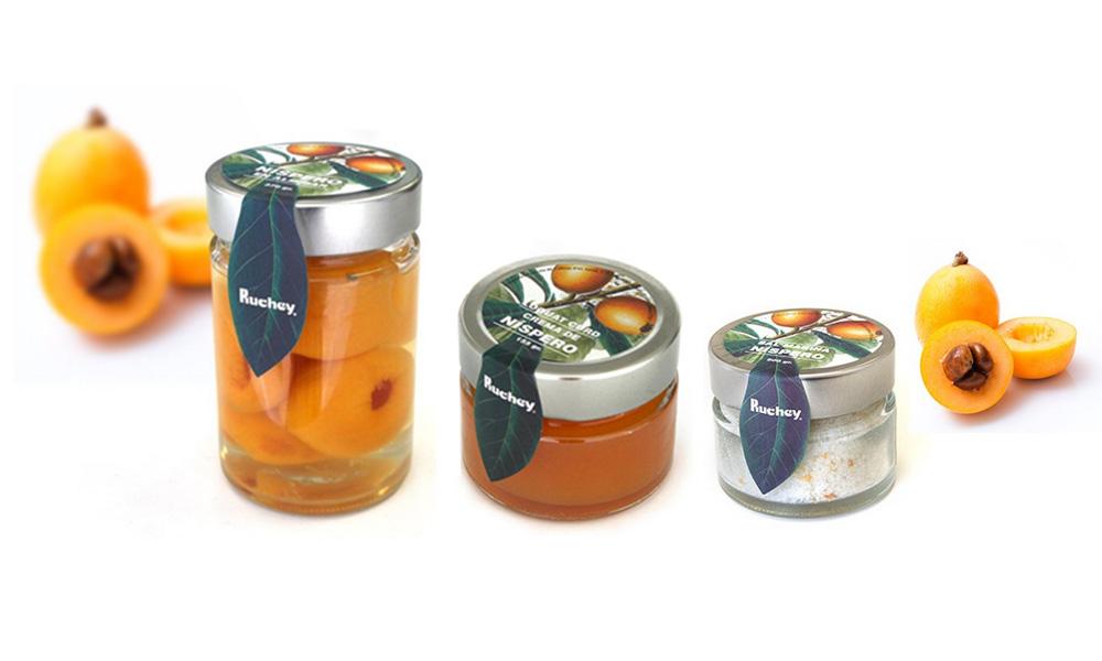 Nísperos, crema y sal marina de Ruchey