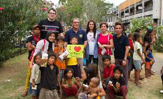 Bodegas Muga y Fundación Dreamtellers en Filipinas - Proyecto solidario El Club de los 300